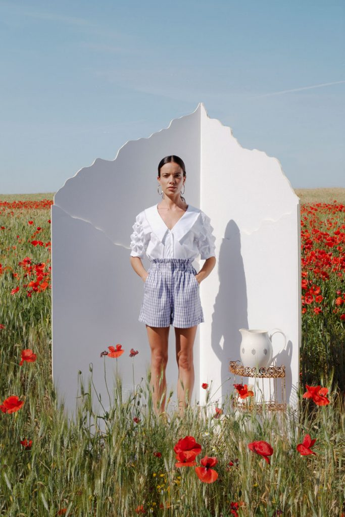 Blusa-clavelna-blanca-tienda
